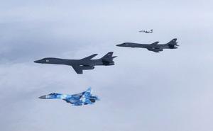 Tàu ngầm, máy bay Mỹ dồn dập luyện tập tấn công Nga: Bị bao vây tứ phía, Moscow nói gì?
