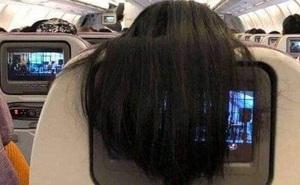 """Nhức mắt với hành động xấu xí của nữ hành khách trên máy bay, dân mạng mách cách giải quyết cực """"gắt"""""""