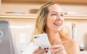 """Người phụ nữ kiếm bộn tiền nhờ """"thả thính"""" hộ khách hàng trên ứng dụng hẹn hò trực tuyến"""