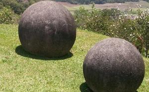 Giải mã bí ẩn sự xuất hiện của 300 quả cầu đá khổng lồ nằm trong khu rừng ở Costa Rica
