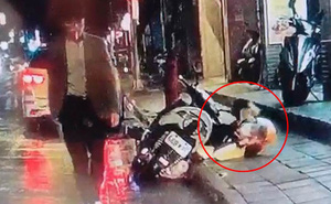 Cãi nhau với vợ vì không biết ăn gì cho bữa tối, người đàn ông tức giận cầm dao đâm chết người dưng đang đứng trên lề đường