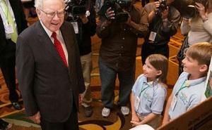 Tỷ phú Warren Buffett: Chờ con lớn mới dạy về tiền bạc là quá muộn, áp dụng các bài học tài chính sớm, trẻ có tương lai thành công