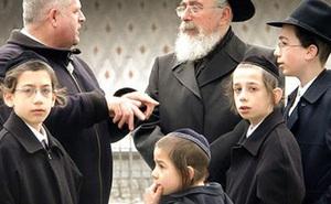Người Do Thái quan niệm có 3 điều quan trọng nhất trong cuộc sống thực sự phải làm: Điều thứ 3 ẩn chứa sau câu hỏi 'Nếu nhà cháy, con sẽ đem theo vật gì?'