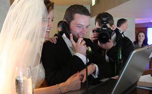 Từ 18/5, các cặp đôi ở New York được phép tổ chức cưới hỏi qua ứng dụng họp online
