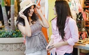 """Nghe chị em rỉ tai nhau bí quyết mua quần áo rẻ mà đẹp khiến nhiều người giật mình nhận ra không ít lần mua đồ bị """"hớ"""""""
