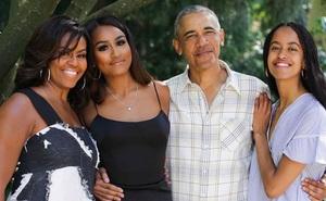 """""""Yêu mình trước tiên"""" - bài học dạy con gái đắt giá của vợ cựu tổng thống Mỹ khiến ai cũng muốn áp dụng ngay cho con"""