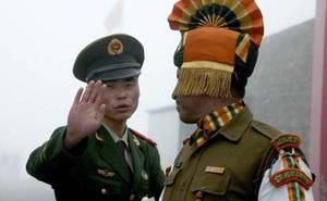 Quân đội Trung, Ấn đối đầu trên nóc nhà thế giới: Nguy hiểm 'căng' tới mức nào?