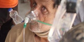 Nhiều người chết do thiếu oxy, BS khóc nghẹn: Chúng tôi là vị cứu tinh, không phải kẻ sát nhân