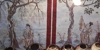 Đào bới sân trường, vô tình 'mở cửa' mộ cổ 1.300 tuổi