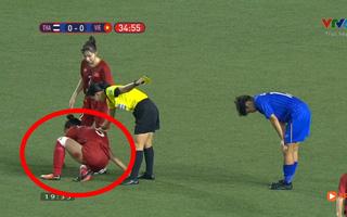 CĐV Việt Nam bật khóc khi thấy cầu thủ nữ thi đấu quá quật cường, bị thương vẫn cố gắng