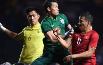 """""""Nạn nhân"""" của Anh Đức nhận tin vui lớn ở Bỉ, đi vào lịch sử bóng đá Thái Lan"""