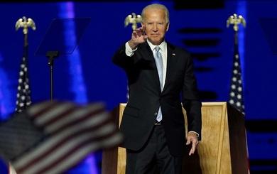 Lãnh đạo cấp cao Việt Nam gửi điện chúc mừng, mời ông Biden và bà Kamala đến thăm Việt Nam