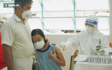 Ngày đầu học sinh TP.HCM tiêm vắc xin: Mong sớm được trở lại trường