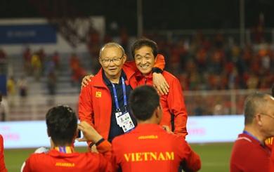 """Nhìn Thái Lan khổ sở vì """"tính già hóa non"""", mới thấy thầy Park tính """"tròn nước"""" đến thế nào"""