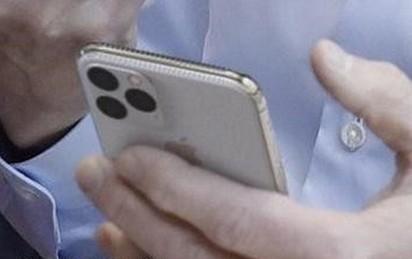 Apple iPhone 11 lộ ảnh thật, cụm 3 camera siêu xấu