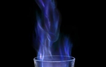 Mẹ hốt hoảng thấy con bốc cháy như cột lửa do nghịch cồn