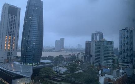 [TRỰC TIẾP] Bão số 9 áp sát, chuẩn bị đổ bộ vào đất liền, miền Trung mưa to, gió lớn