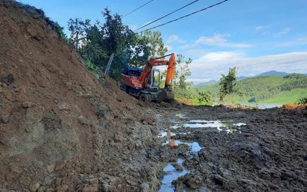 SẠT LỞ Ở QUẢNG NAM: Đã tìm thấy 11 thi thể, công binh bắt đầu tiếp cận thông tuyến đường vào Trà Leng