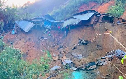 NÓNG: Lại thêm vụ sạt lở đất ở Quảng Nam, đã tìm thấy 3 thi thể, 2 cán bộ xã bị núi lở vùi lấp khi giúp dân sơ tán