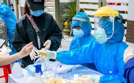 2 phụ nữ mang thai đầu tiên mắc COVID-19, Bộ Y tế điều thêm người hỗ trợ; Thêm 10 ca COVID-19 mới, Việt Nam có 652 ca