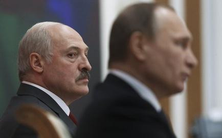 TT Lukashenko được tặng bản đồ Belarus thuộc Đế quốc Nga trước giờ gặp ông Putin: Moskva ẩn ý gì?