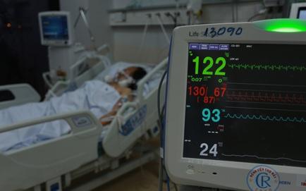 Hơn 30 học sinh mắc Covid-19, có gần 3.000 F1; 69 nhân viên y tế đã tiêm nhiễm bệnh: Tải lượng virus chủng Delta cao hơn 251 lần so với trước