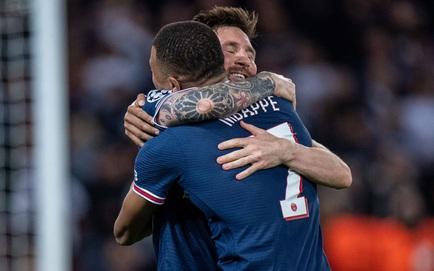 """Messi lập cú đúp chớp nhoáng giúp PSG lội ngược dòng; Liverpool báo thù """"binh đoàn hắc ám"""""""