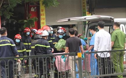"""Cháy lớn ở cửa hàng đồ sơ sinh phố Tôn Đức Thắng: """"Ngọn lửa bốc lên rất nhanh, một lúc sau thì cháy dữ dội..."""""""