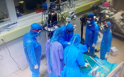 2 nữ bệnh nhân ung thư giai đoạn muộn mắc COVID-19 tử vong; TP.HCM: Một gia đình tổ chức ăn nhậu, cả 6 người tham gia nhậu đều dương tính