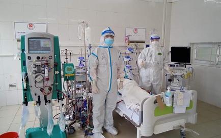 Thêm nữ bệnh nhân mắc Covid-19 tử vong; Vì sao 12 nghìn người ở TP. HCM phải hoãn tiêm vắc xin?