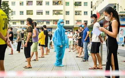Hà Nội: Ổ dịch phức tạp tại Long Biên đã có 12 ca mắc Covid-19, xét nghiệm hơn 800 người liên quan