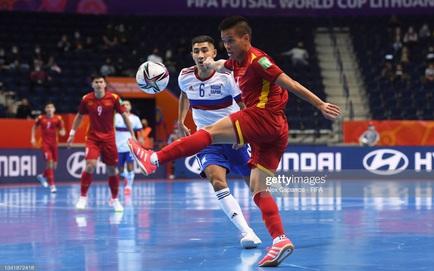 [TRỰC TIẾP] Việt Nam 0-0 Nga: Đội tuyển Việt Nam phòng ngự kiên cường