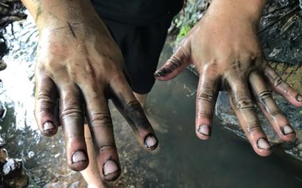 Bộ TN-MT: Ô nhiễm nguồn nhà máy nước sạch sông Đà do xe tải đổ trộm dầu thải