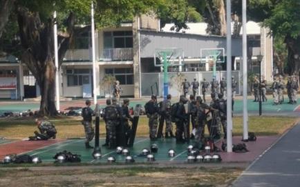 """Trong cảnh """"nước sôi lửa bỏng"""", quân đội TQ đồn trú ở Hồng Kông được phát hiện có động thái hiếm"""