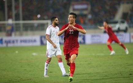 Xem TRỰC TIẾP Việt Nam 1-0 UAE: Tiến Linh lập siêu phẩm sút xa cháy lưới UAE