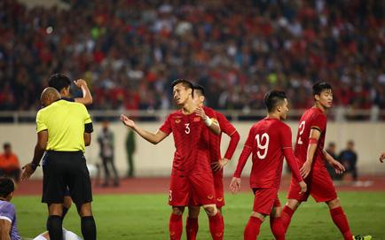 Xem TRỰC TIẾP Việt Nam 0-0 Thái Lan: Bàn thắng của Bùi Tiến Dũng không được công nhận