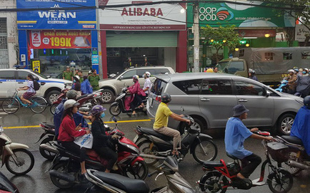 Nhiều công ty con của Alibaba bị cảnh sát ập tới khám xét trong chiều 20/9