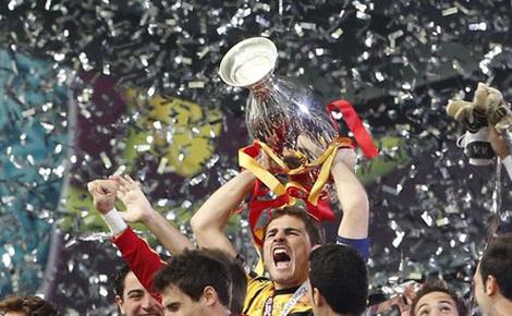 Ngày này năm xưa: Vô địch EURO 2012, Tây Ban Nha đi vào lịch sử bóng đá thế giới