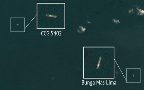 Tranh chấp trên Biển Đông: Tàu hải quân Malaysia đối đầu tàu hải cảnh Trung Quốc