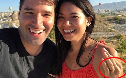 Chân dung nữ tỷ phú trẻ nhất nước Úc: Làm nên tài sản tỷ đô từ phòng khách gia đình, nhận lời cầu hôn với chiếc nhẫn 700 nghìn đồng
