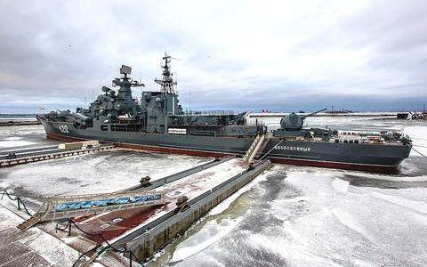 """Tàu khu trục Nga bị đánh cắp thiết bị nặng 26 tấn: Kẻ nào dám """"to gan""""?"""