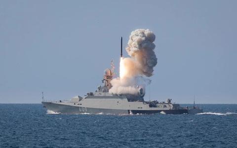 """Ukraine """"hoảng hồn"""": Nga điều các hệ thống phóng vũ khí hạt nhân tới Crimea nhiều khủng khiếp!"""