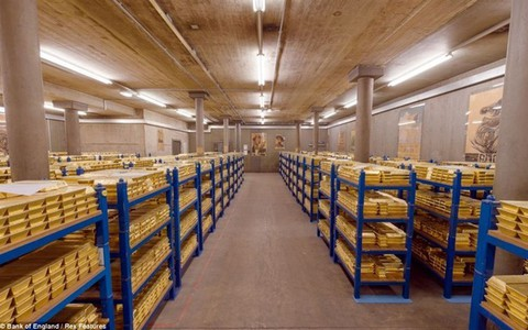 hầm vàng: Đứng đầu thế giới về lượng dự trữ, hầm của quốc gia này có bao nhiêu tấn vàng?