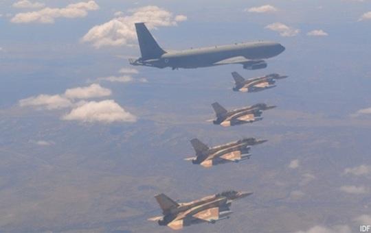 Tiêm kích Israel thoát tên lửa Syria nhờ máy bay chở khách