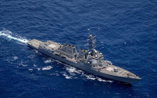 """Trung Quốc giãy nảy sau động thái """"nắn gân"""" cực gắt của Mỹ tại eo biển Đài Loan: Hành vi quá nguy hiểm!"""