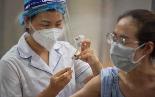 Người dân TP HCM chưa được tiêm vắc xin Covid-19 hoặc đã tới hẹn tiêm mũi 2 cần làm gì?