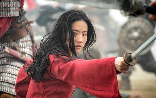 Soi bức tranh cổ thời Thanh, dung mạo thật của nữ tướng Mộc Lan đã lộ diện - Dân mạng xôn xao: Lưu Diệc Phi không giống tí nào!