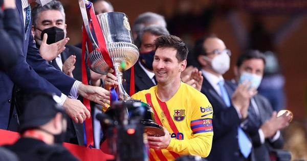 Chạy 70 mét để lập siêu phẩm, Messi
