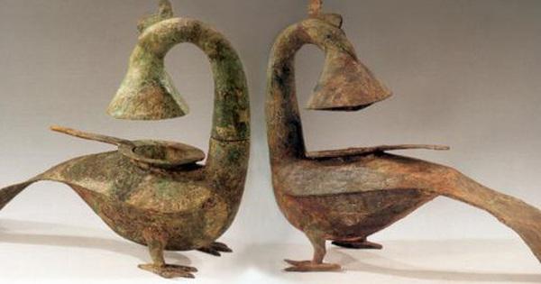 Kho báu cổ vật điêu khắc khổng lồ được khai quật từ lăng mộ hơn 2000 năm khiến cả thế giới sững sờ