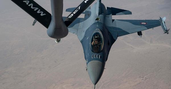 """Toàn bộ phi đội máy bay chiến đấu F-16 """"đắp chiếu"""": Iraq bị Mỹ chơi một vố đau đớn!"""